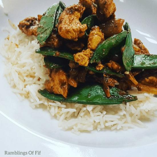 Healthy Eats: Healthy chicken satay curry